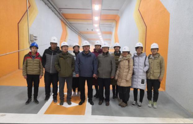 师生赴中铁十七局电气化集团.png